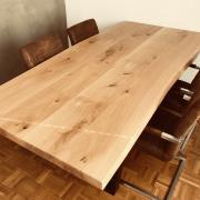 Tischplatte aus wilder Eiche