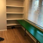 Schreibtisch-Regal